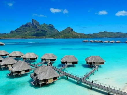 Best-10-Summer-Vacation-Spots-of-the-world2
